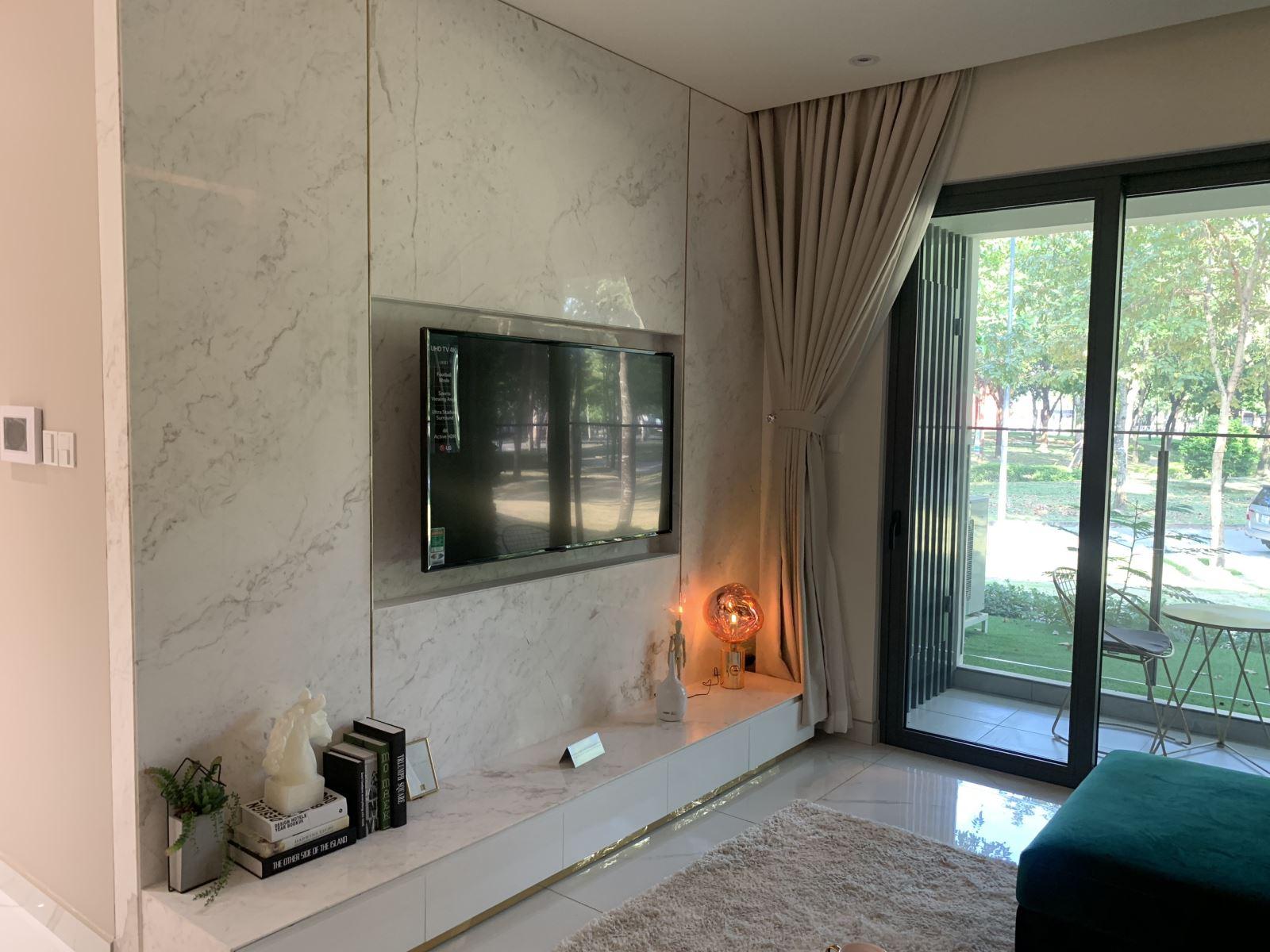 Nội thất nguyên căn sang trọng và hiện đại căn hộ mẫu